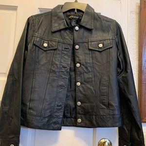 Metro Style Leather